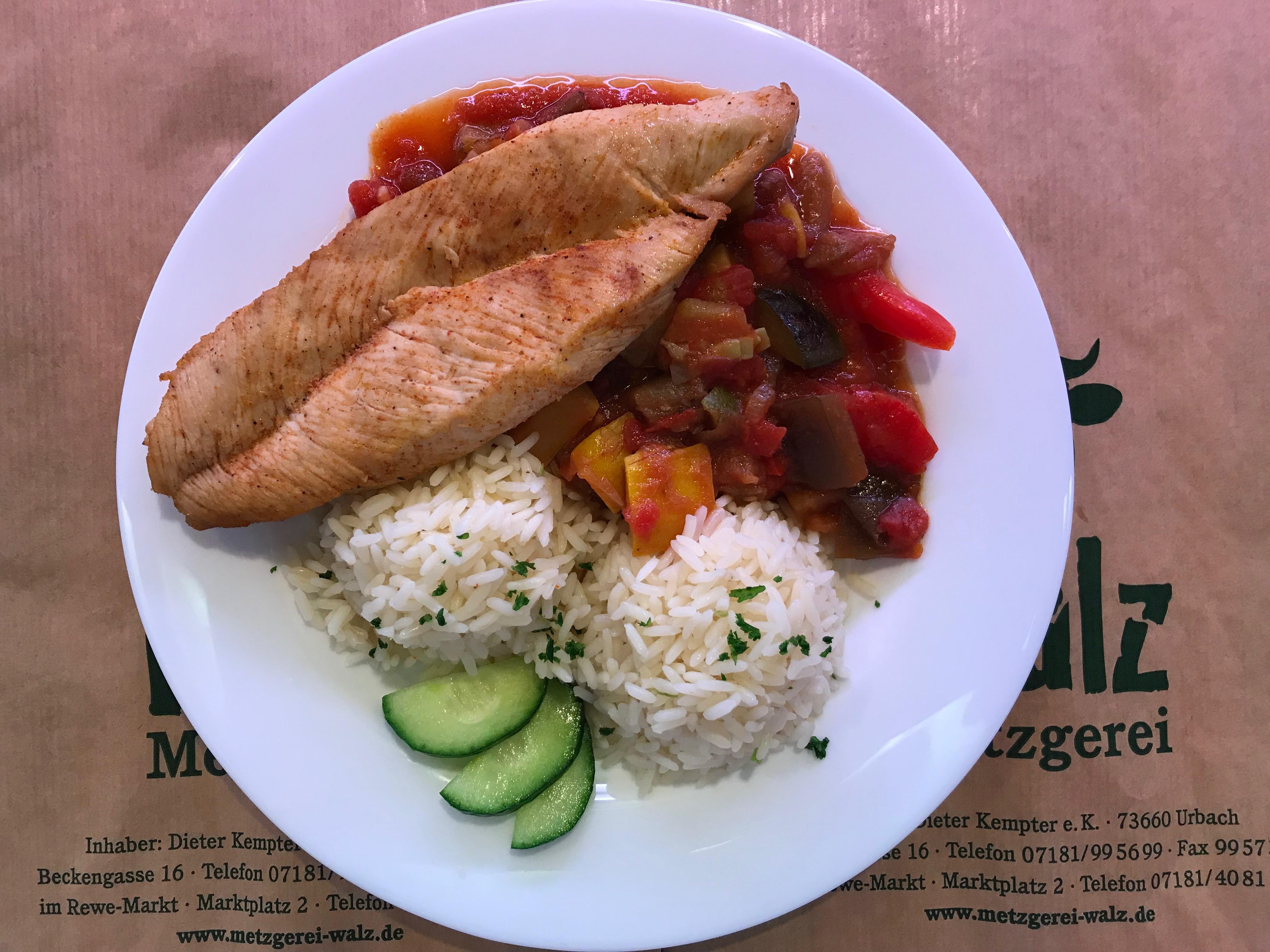 Putenschnitzel Reis und Gemüse